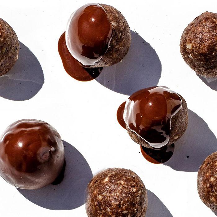 Bolitas Coco-Maní cubiertas de chocolate amargo
